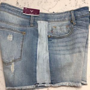 Vigoss Jean Shorts.  NWT. High rise , Ace style